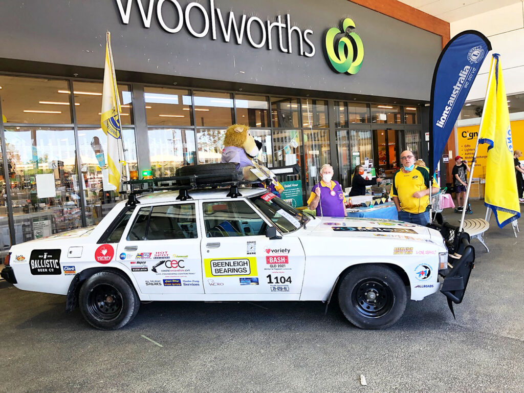 Helping At The Woollies Sausage Sizzle